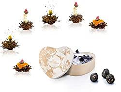 Aufblühtee mit 6 Teeblumen in Holzschachtel mit Herzform | Schwarzer Tee